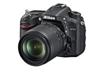 - Nikon D7100 DSLR 18-105mm Lens Kit