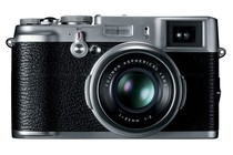  - Fujifilm FinePix X100 (Silver)