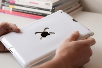 - Wallee Case for iPad 2 (White)