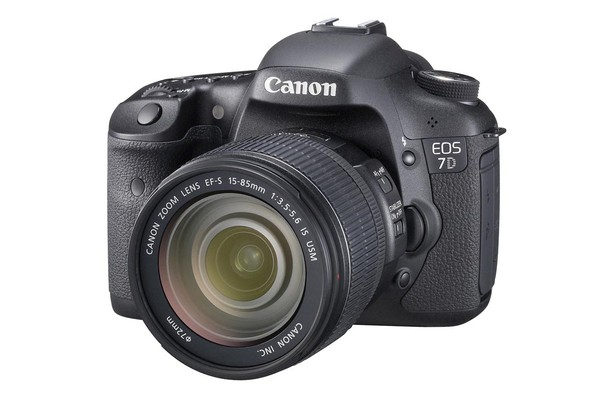 Canon EOS 7D DSLR 15-85mm IS USM Lens Kit
