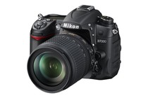 - Nikon D7000 DSLR 18-105mm Megazoom VR Kit