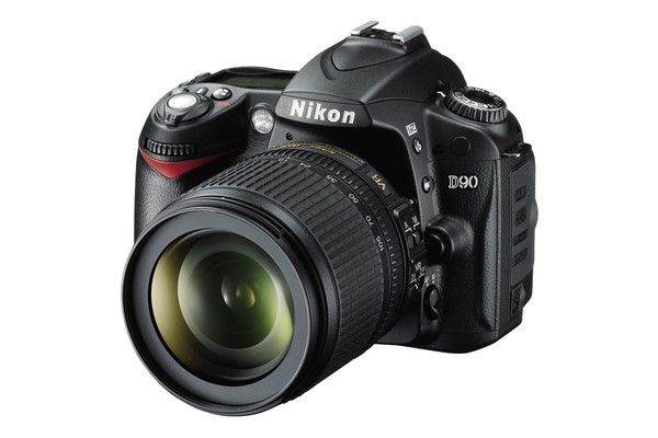 Nikon D90 DSLR Camera Lens Kit with 18-105mm VR Lens